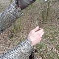 Aus den Handschuhen kann am Handgelenk herausgeschlüpft werden