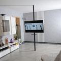 TV Stange schwarz mit Regal