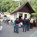 Brotverkauf am Backhaus zu Gunsten der Kirchenrenovierung    21.09.2013     Foto: Martin Knaus