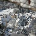 Blick auf Kirche      Foto: Hermann Stolz