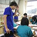中学生の自習をお手伝い。勉強も部活もおしゃべりもフルパワー