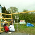 鹿の防護ネットを張ったり、門を建てたり畑の整備を行いました