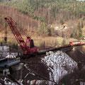 Durch Vergrößern der Ausladung wurde die Brücke in Richtung Widerlager abgelassen