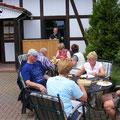 Mittagspause auf dem Straußenhof