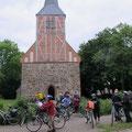 """Guten Mutes, nach Lösung des """"Suchrätsels"""" verlassen wir die Kirche in Vipperow"""