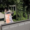 Unser nächster Stopp war das Ernst-Barlach-Atelierhaus und die Ausstellung.