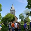 An der Kirche von Groß Zicker