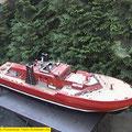Schaffer Strahl als Feuerlöschboot
