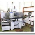 ■高精度CNC成形研削盤■