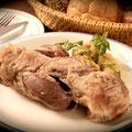 骨付き豚スネ肉「アイスバインボイル」