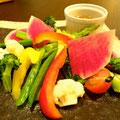 「春野菜のバーニャカウダ」アンチョビソースで