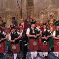 """Ein Highlight zum Abschluss präsentierten die Domstädter Köln in Begleitung """"The 56th District Pipe Band Koblenz"""". Stehende Ovationen unserer Gäste begleiteten ihren mitreißenden Auftritt."""