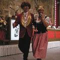 Bei einer flotten Samba konnte dann Udo Beyers seine tänzerischen Qualitäten demonstrieren.