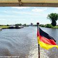 """Der Sonderzug """"Ostfalen Courier"""" ist in Haldensleben angekommen. Von hier sind verschiedene Schifffahrten möglich: Zum Drömling, zum Wasserstrassenkreuz Magdeburg, oder eine Schleusenfahrt. — hier: Haldensleben, Sachsen-Anhalt, Germany"""