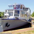 Der Ostfalen Courier bietet eine Fahrgastschifffahrt auf dem Mittellandkanal — hier: Haldensleben, Sachsen-Anhalt, Germany