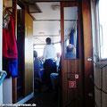 Fahrgäste vom Ostfalen Courier lassen sich bei der Schifffahrt gern auf dem Mitteldeck bedienen. — hier: Ostfalen-Courier der Sonderzug / Bezauberndes Ostfalen