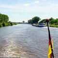 """Der Sonderzug """"Ostfalen Courier"""" ist in Haldensleben angekommen. Von hier sind verschiedene Schifffahrten möglich: Zum Drömling, zum Wasserstrassenkreuz Magdeburg, oder eine Schleusenfahrt. — hier: Magdeburg"""