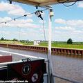 """Der Sonderzug """"Ostfalen Courier"""" ist in Haldensleben angekommen. Von hier sind verschiedene Schifffahrten möglich: Zum Drömling, zum Wasserstrassenkreuz Magdeburg, oder eine Schleusenfahrt. — hier: Calvörde"""
