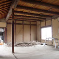内部は離れとして使っていました。改装後は倉庫となるため全て撤去します。