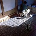 防湿シートを敷き込み、鉄筋を組んでから、土間コンクリートを打設します。
