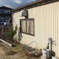 解体前。鉄骨造平屋建ての既存倉庫。