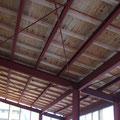 屋根下地が完成。内部の造作工事に移っていきます。