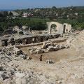 Elaiussa Sebaste bei der heutigen Stadt Ayas - das römische Theater