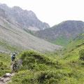 .. Richtung Fiderepasshütte über die Kühgrundalpe
