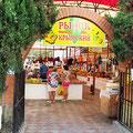 Рынок на Кипарисовой аллее