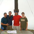 Christian Schiester, Andi Brezlanovits mit Berni und Martin beim Gipfelkreuz - 2008