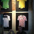 Diego con los maillots del actual Tour