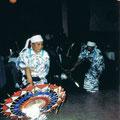 1980 Leiter Udagawa tanzt den Regentanz