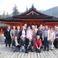 2008 Winsener Gruppe vor Tempelanlage