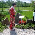 2007 die Kirschblütenkönigin enthüllt die Gedenktafel