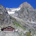 Die Schreckhornhütte und das Schreckhorn