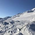 Links im Bild der Gotthardpass