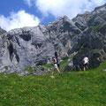 Abstieg zur Alpwirtschaft Stafelalp