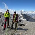 Hans + Kari haben den Gipfel erreicht.