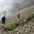 Die Gipfelregion ist in Nebel gehüllt