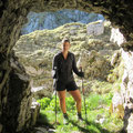 Höhle am Fuss des Chastelendossen