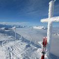 Gefiedertes Gipfelkreuz
