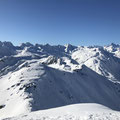 Weitblick in die weite und einsame Schneelandschaft