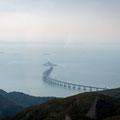 Ngong Ping Cable Car zum Big Buddha - Sicht auf Hongkong-Macao-Brücke (längste Meeresbrücke)