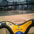 Mit dem City Bike unterwegs - Story Bridge