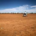 keine Autos anzutreffen, dafür ein verlassener Helikopter