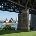 Milsons Point, Aussicht auf Opera, Brückenpfeiler Harbour Bridge