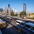 South Bank - Sicht auf Bus-Stand bei der Victoria Bridge