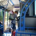 Bushaltestelle beim Island Getaway Caravan Park -mit dem Bus nach Shute Harbour (Hafen)