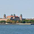 Ellis Island von der Staten Island Ferry aus