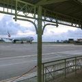 Flughafen Mahé - zum Emirates 777